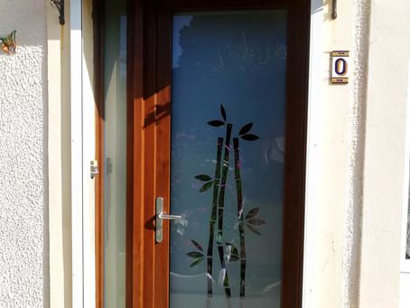 Porte d'entrée en PVC Rénolit imitation bois