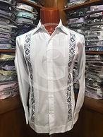 Guayabera manga larga con bordado