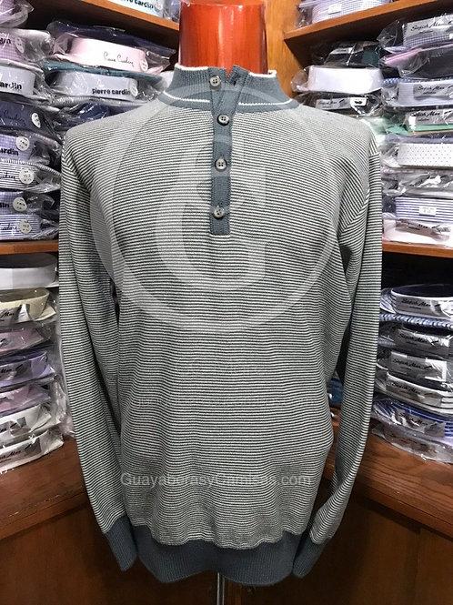 Suéter con botón