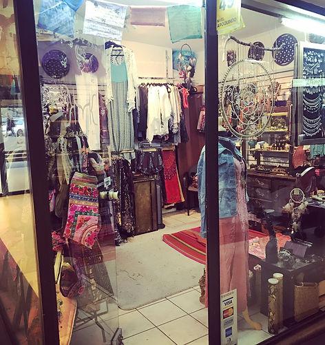 Imagen de la tienda física ubicada en Apoquindo 4900, local 49.
