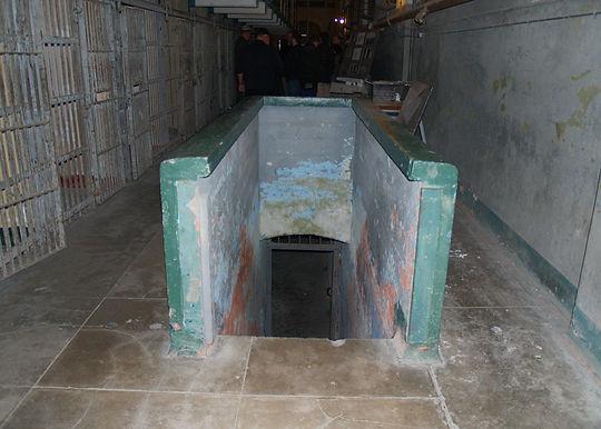 dungeon_stair.jpg