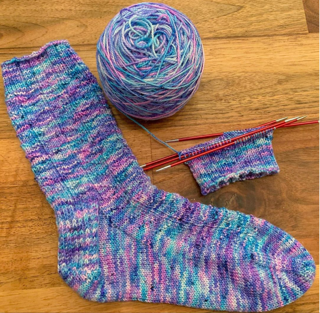 @renee_kies Snowfall Socks by @tabi.gandee