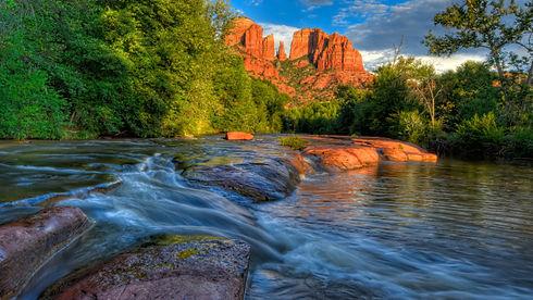 Sedona-Arizona-USA-Red-Rock-Cathedral-Bu
