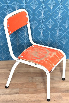 Chaise d'enfant orange