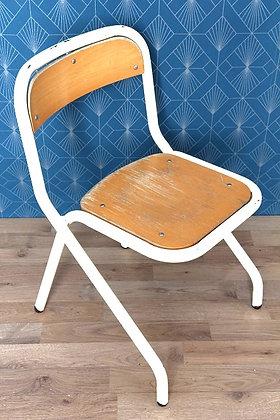 Chaise d'enfant crème