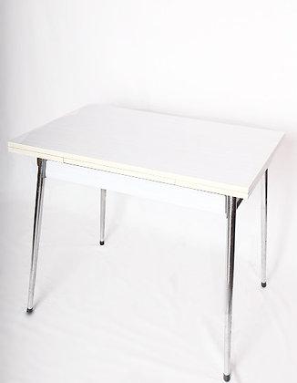 Table en formica rayée