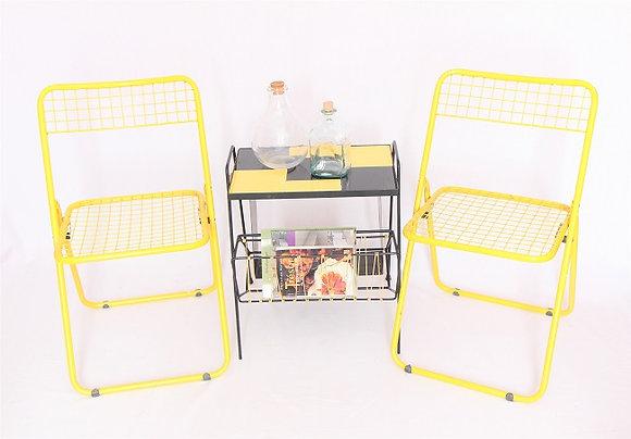 Chaises jaunes pliantes