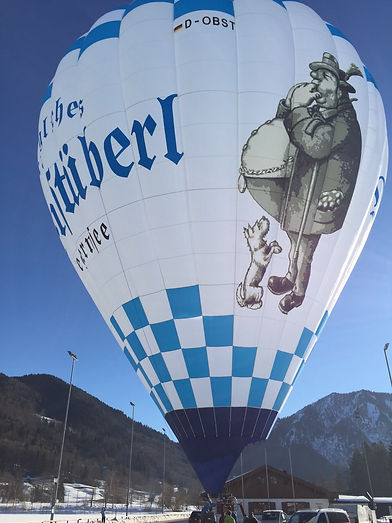 Der Heißluftballon des Bräustüberl Tegernsee