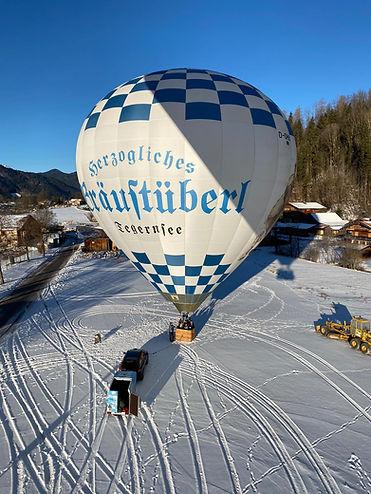 Der Heißluftballon am Boden
