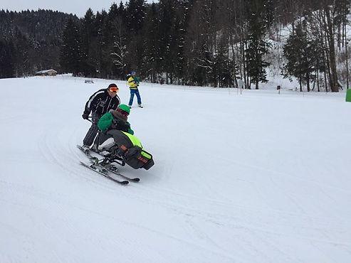 Christine schießt den Berg hinunter