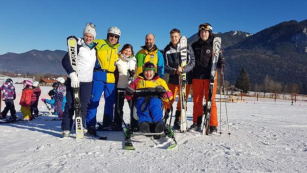 Nochmals die komplette Truppe in Skiausrüstung