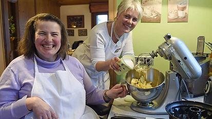 Christine Göttfried backt einen Marmorkuchen mit besonderer Note