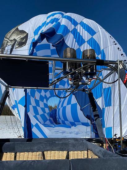 Der Heißluftballon ist wieder sicher gelandet