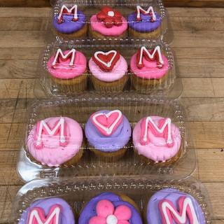 momcupcakes.jpg