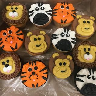 animal cupcakes2.jpg