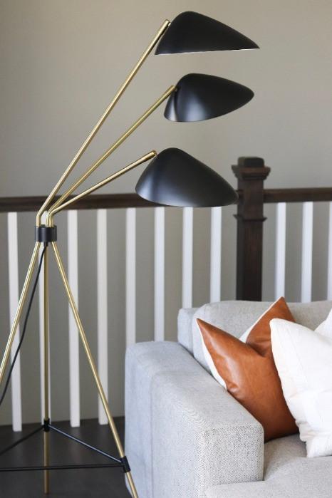 KingsCastleEast Black Floor Lamp