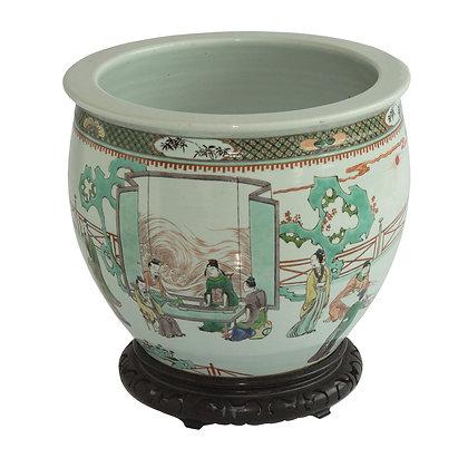 LOTE 266. Cachepot em porcelana chinesa.