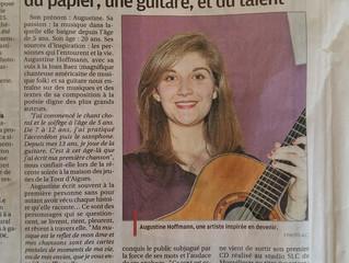 Un stylo, du papier, une guitare, et du talent