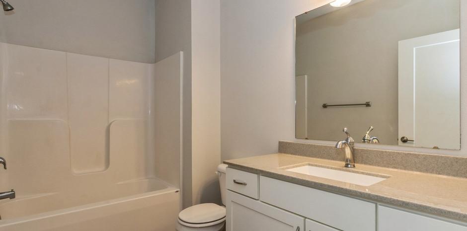 Modern 3 Bed / 2 Bath