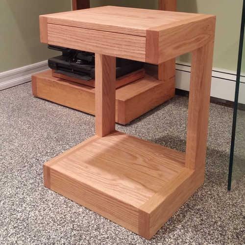 Complimentary desk