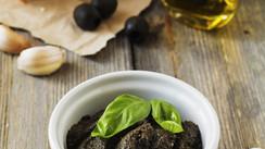 La tapenade à l'huile d'olive...