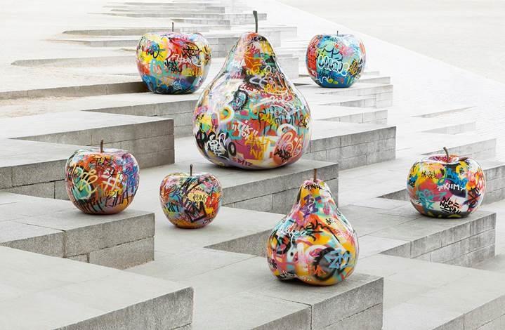 sculpture pommes poires graffiti  Royal
