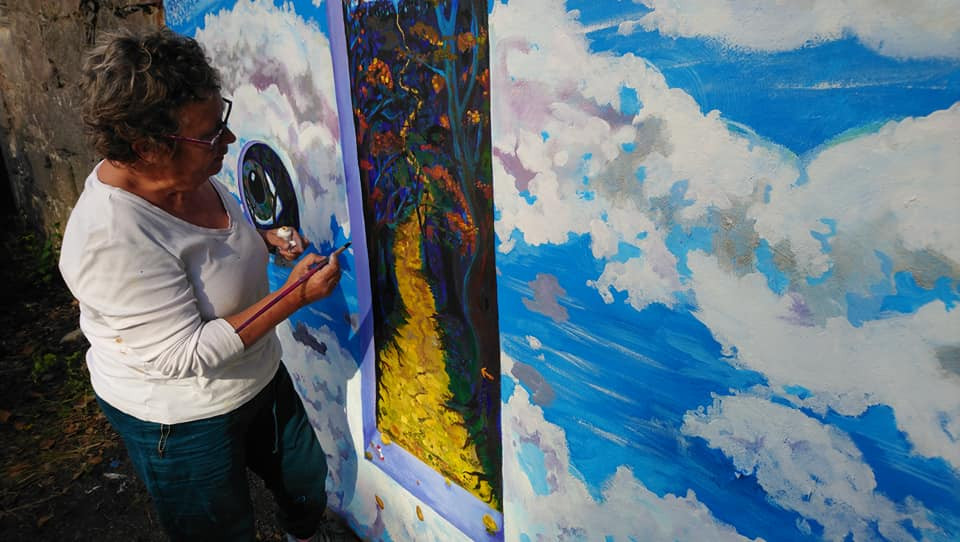 Alison Painting Door