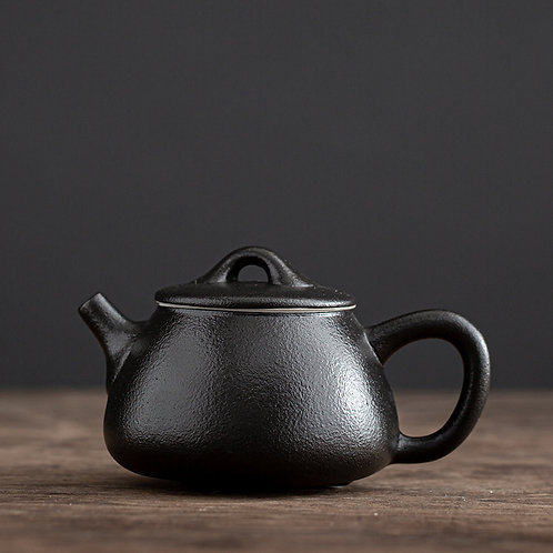 Black Pottery Tea Pot - Traditional