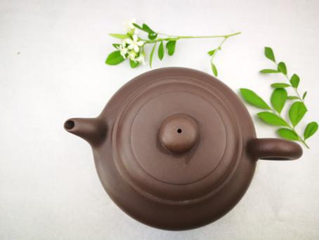 Blog 41: Choosing Teaware: Gaiwan or Yixing Pot(Purple Clay Pot)?