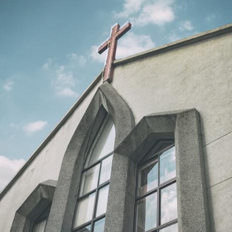 Ve testimonios reflejo del amor de Dios, para poder ayudar a tus feligreses.