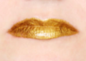 precious (gloss series)- a pair of lips with 22kt gold liptstick