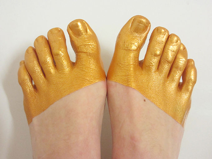 vestige (from gloss series) - feet with gold plated toes