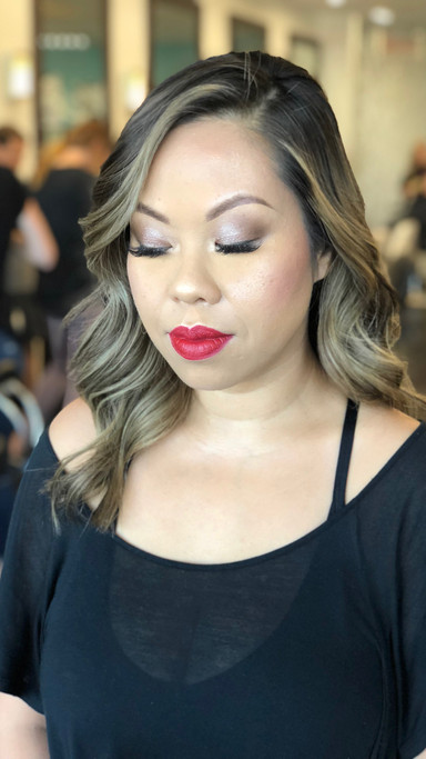 SOFT & CLASSIC RED LIP MAKEUP