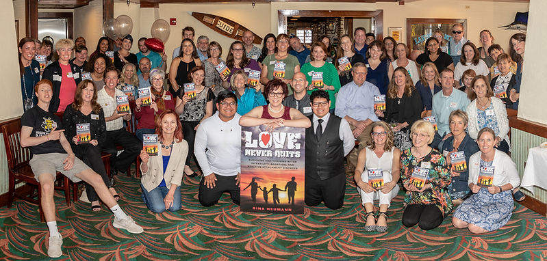 Love-Never-Quits-book-signing-158.jpg
