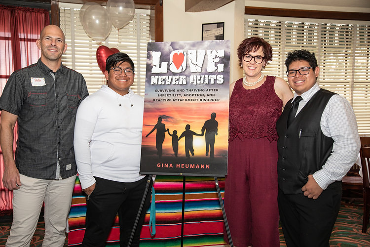 Love-Never-Quits-book-signing-245.jpg