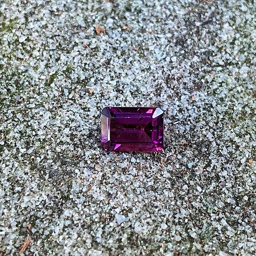 Rhodolite Garnet 0.76Ct