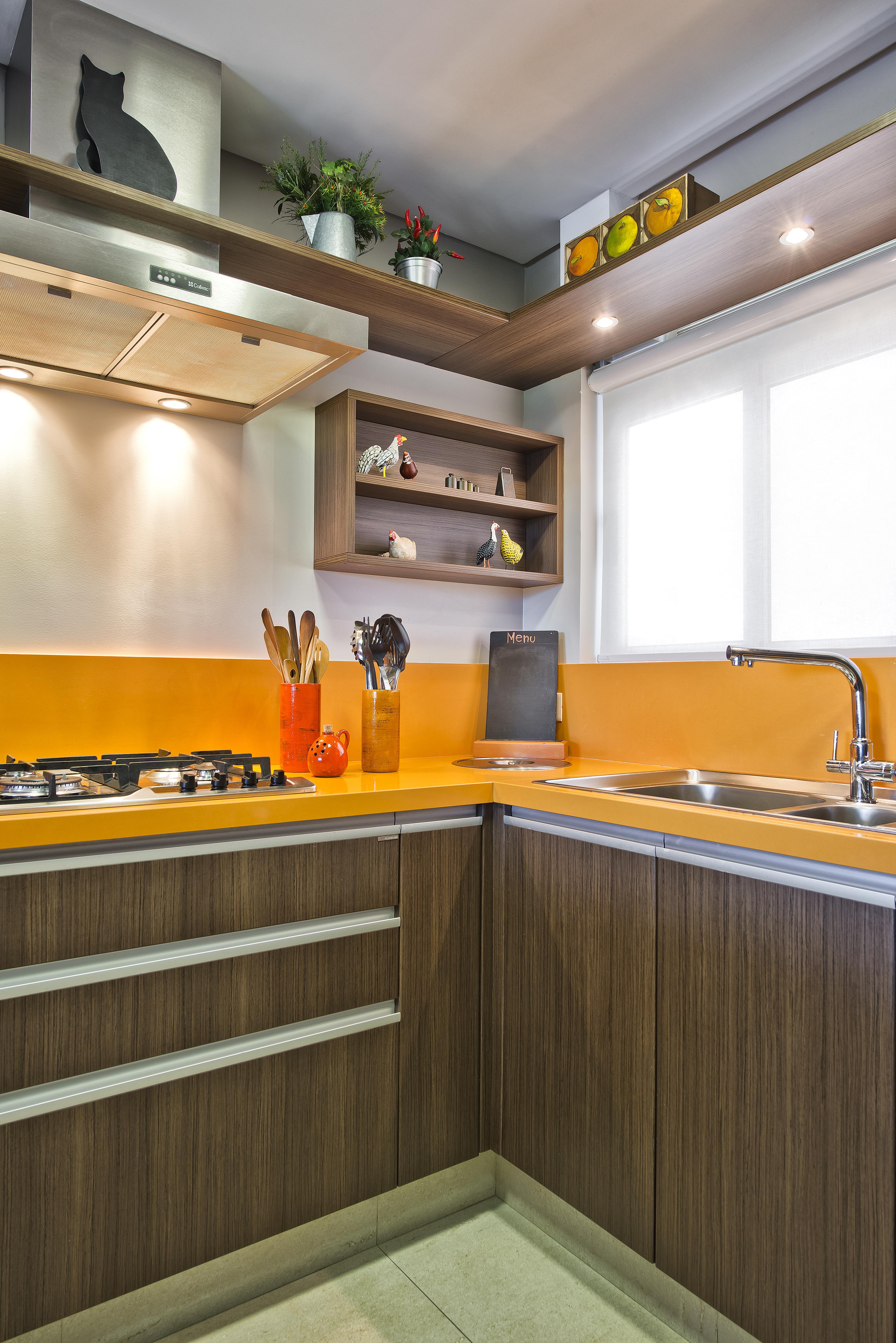 Cozinha na cor amarela