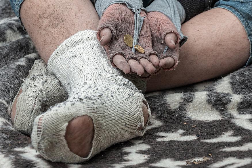 homeless-man-5520021_1920.jpg
