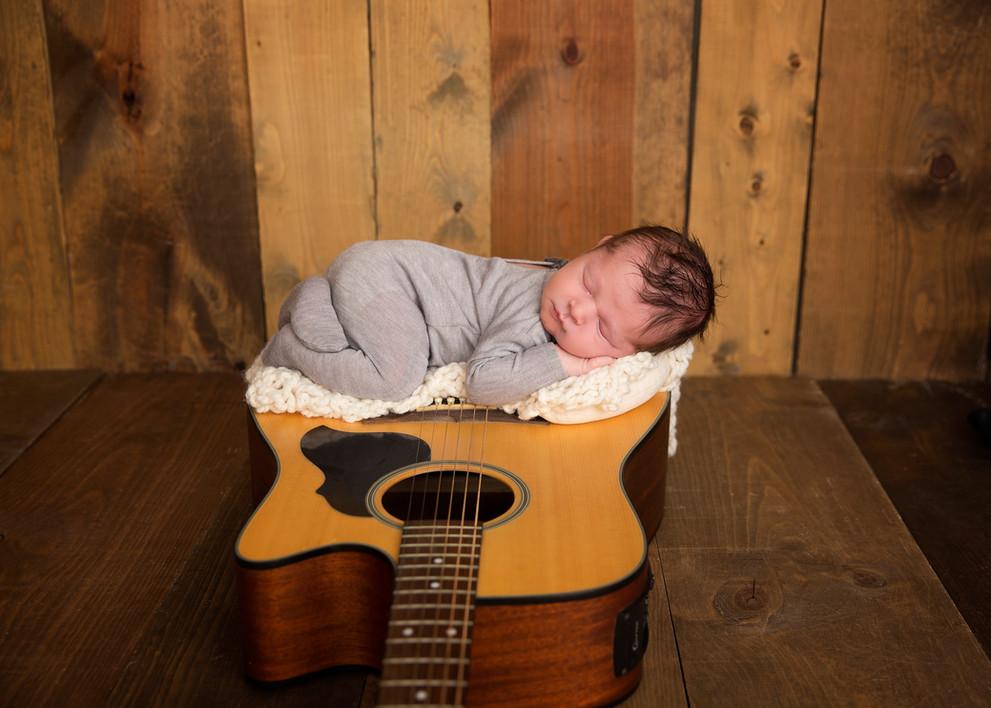 Levi newborn2.jpg