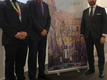 El Consejo lleva el cartel de la Semana Santa de Cádiz a Fitur junto al de las demás provincias anda