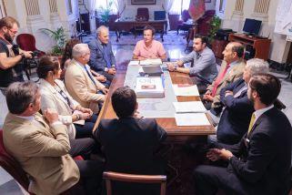 Recepción de la Junta Permanente con el alcalde