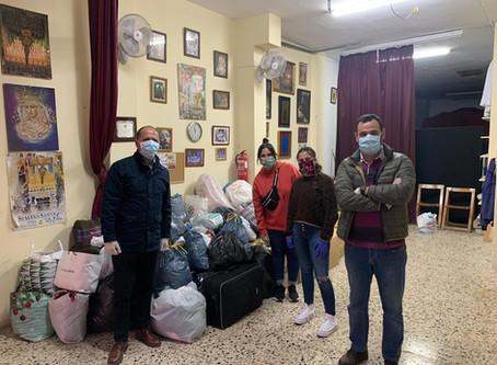 Las cofradías de Cádiz ayudan a las personas sin hogar del Centro Náutico 'Elcano'