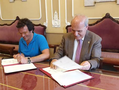Consejo y Ayuntamiento de Cádiz firman el convenio para las subvenciones de las Glorias