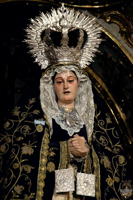 María_Stma_de_los_Dolores_Coronada_-_Servitas