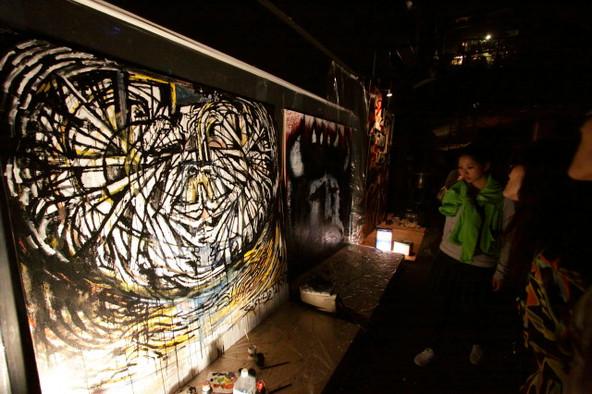 solsticio! at Zepp Sapporo | アクリル、ペンキ 1800mm×1800mm | 2009