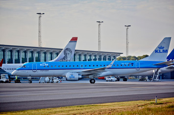 fly-klm-landingsbane-aalborg-lufthavn__3