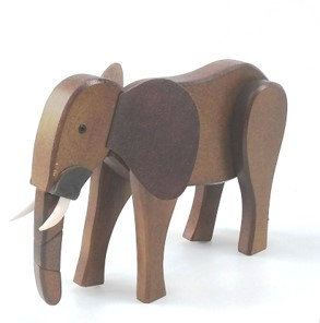 Elefante de madeira articulada