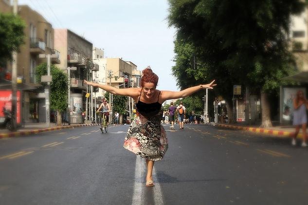 road dancer