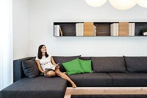 (c)Loxone_Lounge-Woman-Green_1b.jpg