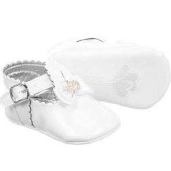 Caramelo Baby Girls White Pram Shoes